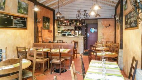 Chez Leontine, Paris