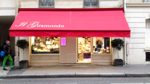 Il Giramondo, Paris