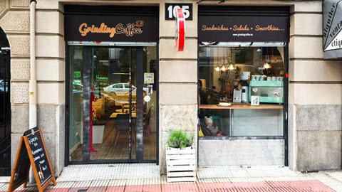 Grinding Coffee, Madrid