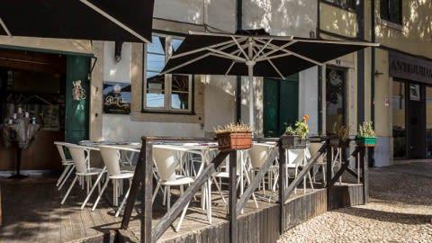 Le Petit Café, Lisbon