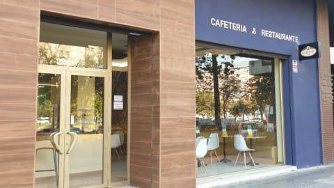 Adonis café, Valencia