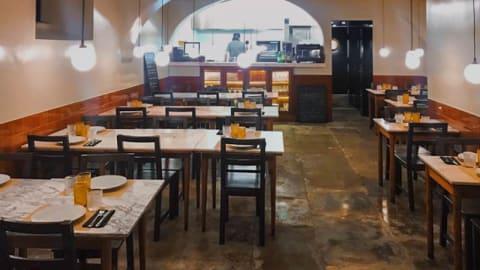 Taberna dos Ferreiros, Lisbon