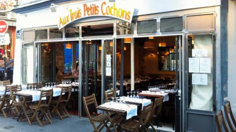 Aux Trois Petits Cochons, Paris