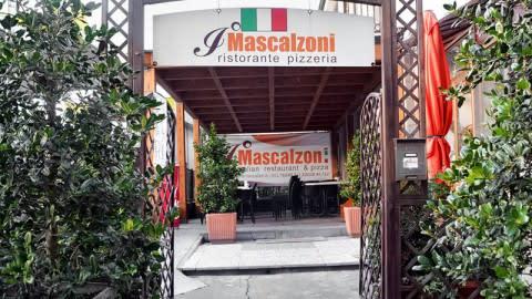 I Mascalzoni, Moncalieri