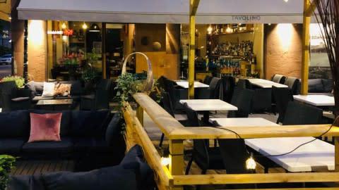 Tavolino di Malou (Rött), Stockholm