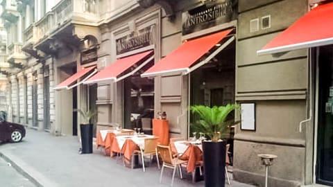 L'Antro della Sibilla, Milan