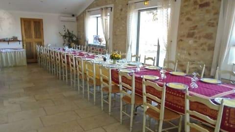 Le Moulin de Lavon table et chambres d'hôtes, Gargas