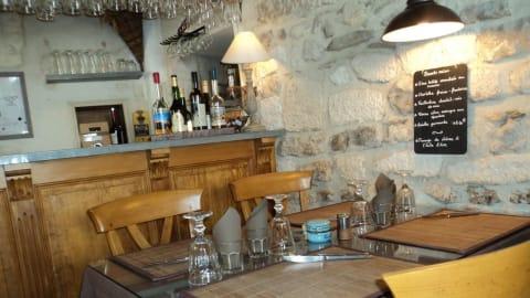 Le Criquet, Arles