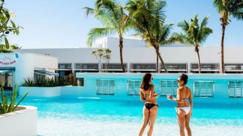 The Splash Bar - The Ville Resort, Townsville