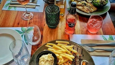 Corniche Restaurant, Docklands