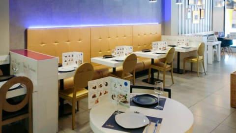 La Mafia se sienta a la mesa C.O. Manoteras, Madrid