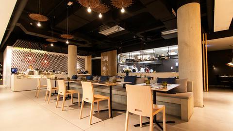 Ma Khin Café, Valencia