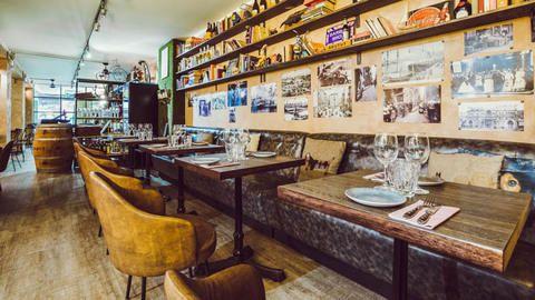 Sasha Bar 1968, Barcelona