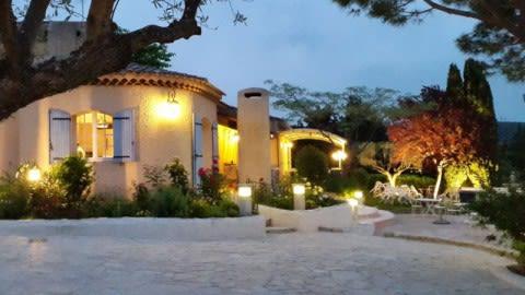 """La Quinta """"Table Provençale"""" ancien Lou Mazet, Allauch"""