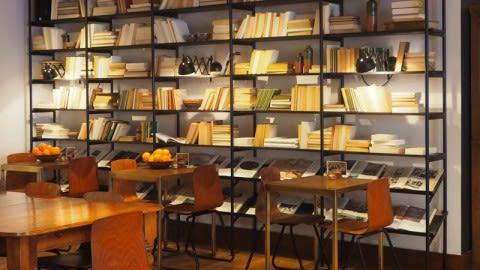 Vascobelo V-bar Urgell-Londres, Barcelona