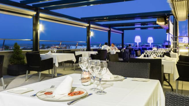 Restaurante Al Zagal Terraza Barbacoa Hotel Córdoba Center