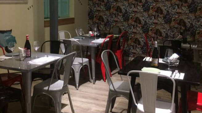 restaurante Old World monkey de galliforme sevilla