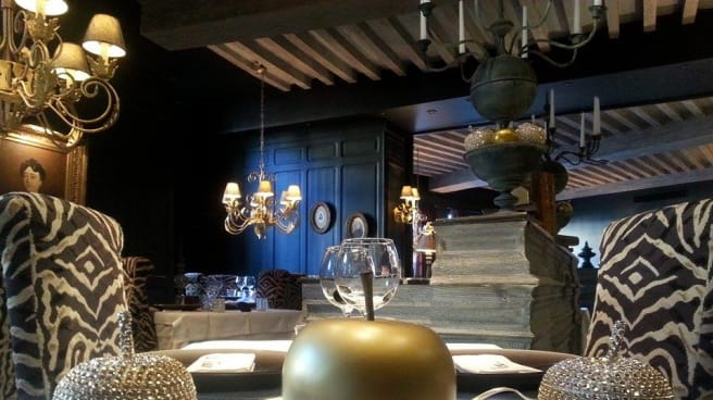 Restaurant Hotel De La Tour A Chatillon Sur Chalaronne 01400