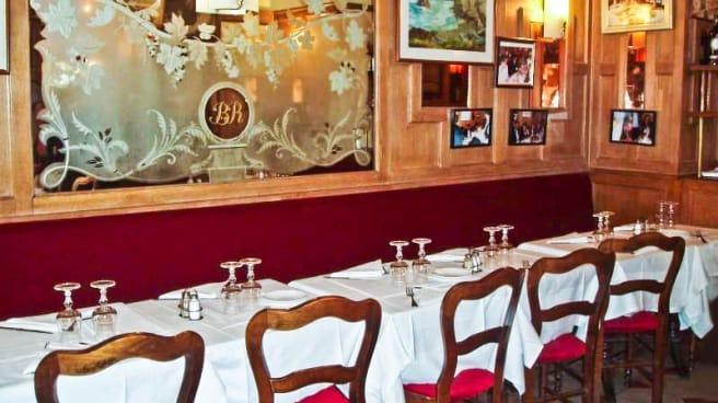 Restaurant La Boule Rouge A Paris 75009 Opera Grands
