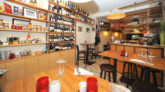 Le Pot De Vins In Paris Restaurant Reviews Menu And Prices